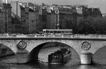 Лодка  под мостом на Сене - Тёрнли, Питер