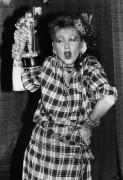 Синди Лаупер с премии MTV - Требиц, Дебра