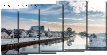 Зимний городок у реки