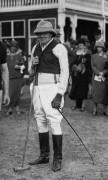 Уинстон Черчилль в костюме для поло