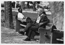 Чернокожий и белый на скамейке - Ланкастер