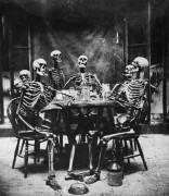 Обед скелетов