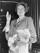 Королева Елизавета - Кун, Барни