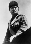 Муссолини в парадной форме