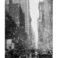 Парад телеграфных лент на Бродвее