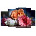 Розы на столе