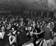 Кэб Кэллоуей с оркестром на Новогоднем балу