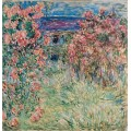 Вид на дом из розовых кустов - Моне, Клод