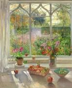 Осенние фрукты и цветы