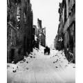 Поездка по снежной улице в Варшаве