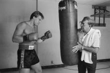 Боксер-тяжеловес Дерек Уильямс  с  тренером Анджело Данди - Бреннан, Майкл