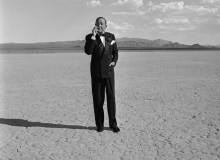 Ноэль Ковард курение  в пустыне