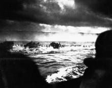 Десантный корабль  в Нормандии