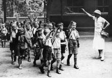 Урок нацистского приветствия