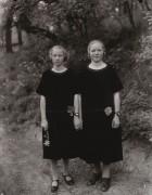 Сестры - Сэндер, Август