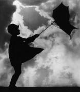 Девочка и зонтик