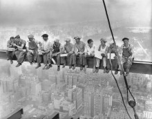 Обед на небоскрёбе. 1932