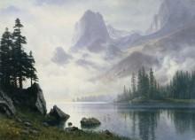 Горы в дымке тумана - Бирштадт, Альберт