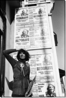Ванесса Редгрейв на  предвыборных плакатах