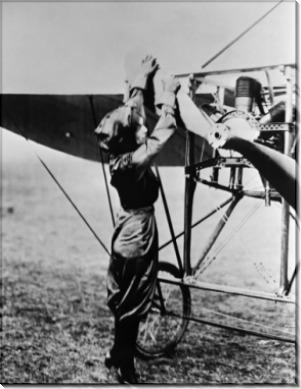 Гарриет Квимби -первая женщина-пилот