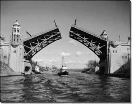 Лодка  под  мостом  Montlake ( Монтэйк)