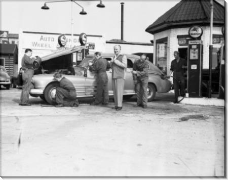 Заправочная станция с персоналом