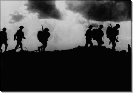 Британские войска идут в окопы
