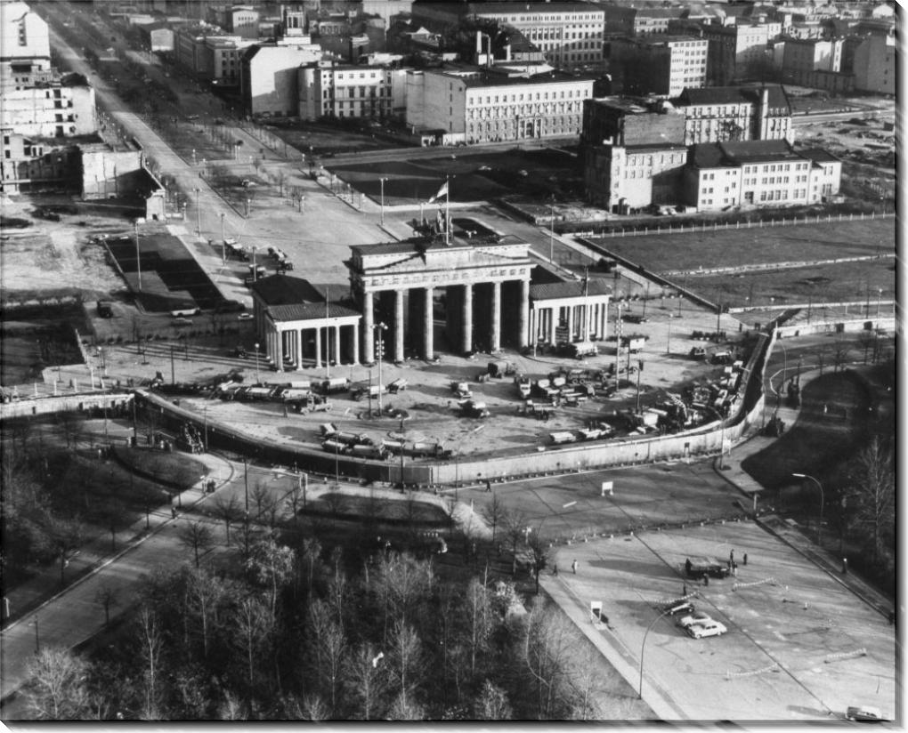 Бранденбургские ворота и Берлинская стена